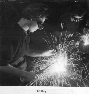 Female welders at the Accles and Pollock Steelworks, Oldbury during WWII | Courtesy of Sandwell Community History and Archives Service